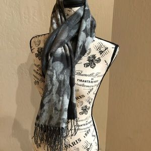 FRAAS Cashmink Cozy Scarf Wrap Neck